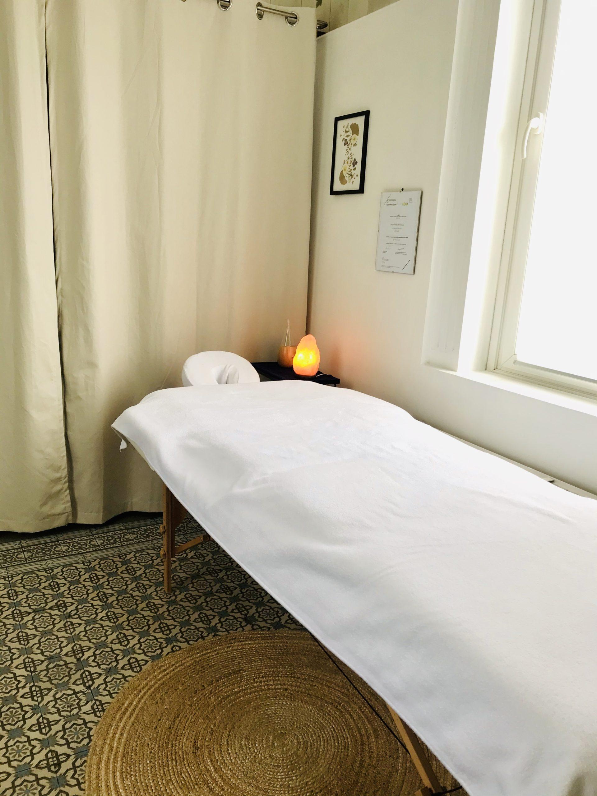 Table de massage cabinet naturopathie Nature&Elle Hem-Lille